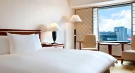 Doppelzimmer mit Ausblick im Hotel Hilton Osaka in Japan