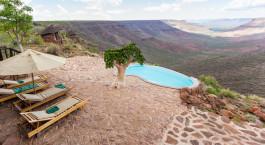 Auu00dfenpool im Hotel Grootberg Lodge in Damaraland (Palmwag), Namibia