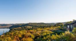 Aussicht auf die Umgebung des Elephant Hide of Knysna Guest House, Garden Route in Su00fcdafrika