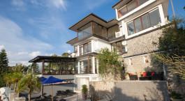 Auu00dfenansicht im Theva Residency Hotel , Kandy in Sri Lanka