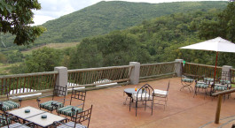 Terrasse der Chestnut Country Lodge in Hazyview, Su00fcdafrika