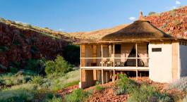 Auu00dfenansicht im Damaraland Camp in Damaraland (Palmwag), Namibia