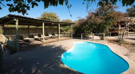 Pool im Hotel Kalahari Plains Camp in Central Kalahari, Botswana