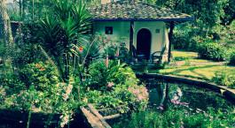 Garten der Hacienda Cusin in Otavalo, Ecuador