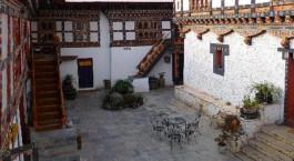 Auu00dfenansicht von Gangtey Palace Hotel in Paro, Bhutan