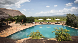Pool im Apoka Lodge in Kidepo Valley, Uganda