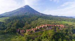 Auu00dfenansicht des Arenal Kioro Hotel in Arenal, Costa Rica
