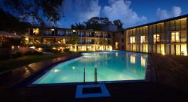 Auu00dfenansicht bei Nacht im EKHO Safari Hotel, Yala Nationalpark, Stri Lanka