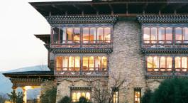 Auu00dfenansicht von Zhiwa Ling Hotel in Paro, Bhutan