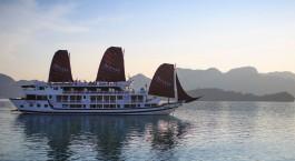 Auu00dfenansicht der Stella Cruise Halong Bay, Halong Bucht in Vietnam