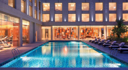 Pool, Courtyard by Marriott, Cochin, Kerala, India, Asia