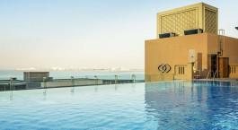Pool im Sofitel Dubai Jumeirah Beach, Dubai