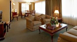 Zimmer mit Sitzgelegenheiten im Ritz Apart Hotel, La Paz, Bolivien