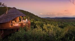 Auu00dfenansicht von Madikwe Safari Lodge in Madikwe Wildschutzgebiet, Su00fcdafrika