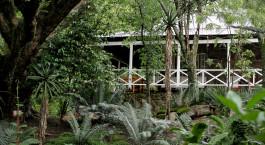 Auu00dfenansicht des Reillyu2019s Rock Hilltop Lodge in Ezulwini, Afrika
