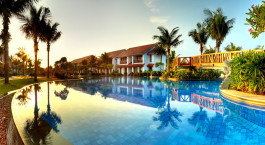 Swimmingpool im Radisson Blu Resort Temple Bay in Mamallapuram, Su00fcdindien