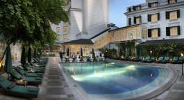 Pool im Sofitel Legend Metropol Hanoi Hotel in Hanoi, Vietnam