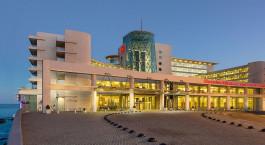 ein großes Gebäude