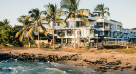 Auu00dfenansicht vom Golden Bay Hotel & Spa in San Cristobal Ecuador/Galapagos