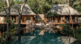 Auu00dfenansicht des Four Seasons Tented Camp, Golden Triangle Hotel in Chiang Saen, Thailand