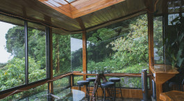 Lounge im Hidden Canopy Treehouse in Monteverde, Costa Rica