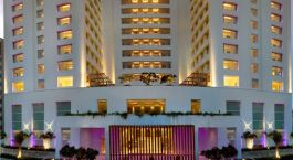 Auu00dfenansicht des The Raintree Hotel Anna Salai in Chennai, Indien