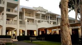Auu00dfenansicht der Peppers Beach Club and Spa in Palm Cove, Australien