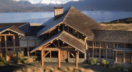 Auu00dfenansicht im Hotel Fiordland Lodge, Te Anau in New Zealand