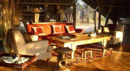 Lounge im Hotel Jongomero, Ruaha in Tanzania