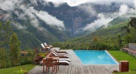 Pool in der Gocta Lodge in Chachapoyas, Peru