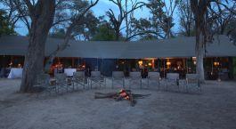 Lagerfeuer im Machaba Camp in Okavango Delta, Botswana