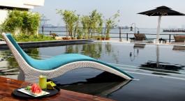 Pool im Hotel Xandari Harbour in Cochin, Su00fcdindien