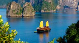 Auu00dfenansicht von Valentine Cruise in Halong Bucht, Vietnam