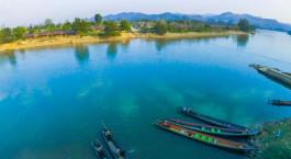 Overview des Flusses im Hotel Riverside u2013 Hsipaw Resort in Hsipaw, Myanmar