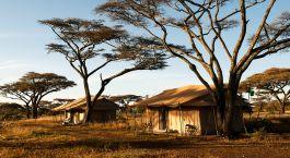 Auu00dfenansicht von Mara Under Canvas in Nu00f6rdliche Serengeti, Tansania