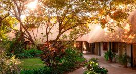 Gartenanlage von Hotel Bayete Guest House, Victoria Falls, Simbabwe
