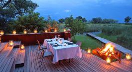 Terrasse im Xudum Camp in Okavango Delta, Botswana