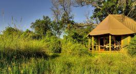 Hu00e4uschen in der Natur, Kanana Camp, Okavangodelta, Botswana