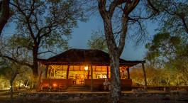 Auu00dfenansicht der Thawale Lodge in Majete Wildschutzgebiet, Malawi