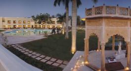 Enchanting Travels - Nordindien Reisen - Khajuraho - The Lalit Temple View - Pool