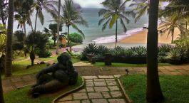 Blick auf den Strand im Niraamaya Retreats Surya Samudra in Trivandrum, Indien