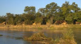 Auu00dfenansicht, Mwaleshi Camp in North Luangwa, Sambia