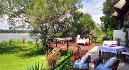 Terrasse vom Hotel Waterberry Lodge, Viktoriafu00e4lle, Sambia