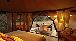 Zimmer mit Ausblick im Siwandu Camp, Selous in Tansania