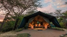 Auu00dfenansicht, Adventure Camp in Masai Mara, Kenia