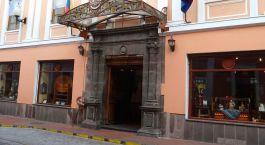 Auu00dfenansicht vom Hotel Patio Andaluz, Quito in Ecuador/Galapagos
