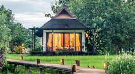 Auu00dfenansicht einer Gu00e4stevilla des Manee Dheva Resort & Spa, Mae Chan Hotel in Chiang Rai, Thailand