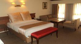 Doppelbett im Hotel Jumolhari, Thimphu in Bhutan