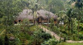 Vogelperspektive des Hotels Shalimar Spice Garden, Thekkady in Su00fcdindien