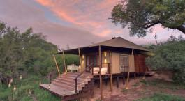 Zeltauu00dfenansicht im  Ngala Tented Camp in Kruger, Su00fcdafrika